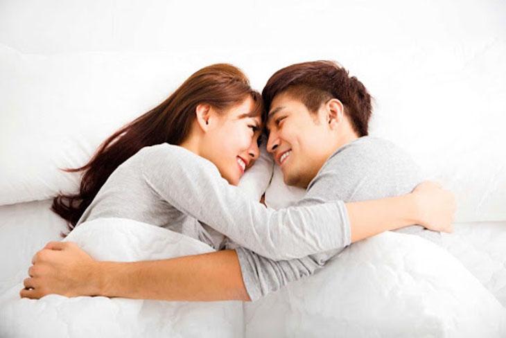 Để sinh con gái, vợ chồng không nên đạt cực khoái khi yêu